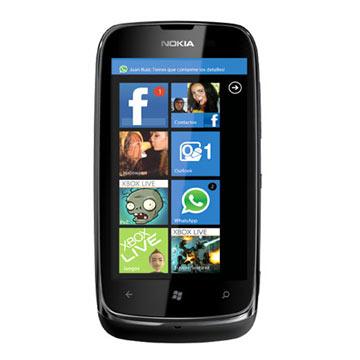 Telefono-NOKIA-LUMIA-610-ekrano-stiklo-keitimas