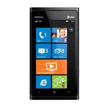 Telefono-NOKIA-LUMIA-900-ekrano-stiklo-keitimas